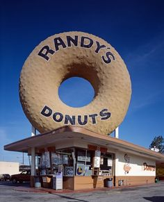 randys donuts    Randy's Donuts (1953)  Designed by Henry J. Goodwin  Inglewood, California    Originally a Big Donut Drive-In, a now defunct chain of donut drive-throughs, Randy's is probably the most iconic of Southern California's many donut ducks.