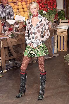 Dolce & Gabbana Spring 2000 Ready-to-Wear Fashion Show: Complete Collection - Style.com