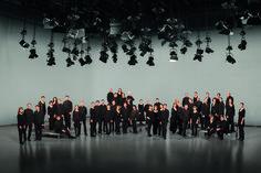 Rundfunkchor Berlin (c) Jonas (JPEG Image, 2362 × 1574 pixels) - Scaled Portrait Lighting Setup, Lighting Setups, Team Photography, Team Photos, Berlin, Chandelier, Silhouette, Ceiling Lights, Concert