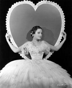 rustedshutter:  Dorothy Lamour; 1936
