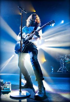 Chris Cornell rocking it, no one can sing like he can with that distinctive voice I'd recognize anywhere.