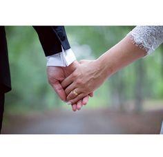 Just married! @johannarosengren.se #wedding #love #lace #bride #groom #holdinghands