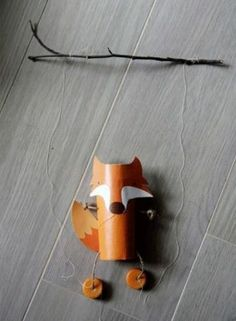 renard - fox with toilet paper tube Diy For Kids, Crafts For Kids, Tube Carton, Wood Badge, Puppet Making, Craft Club, Childrens Gifts, Toilet Paper Roll, Pinocchio