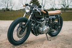 There was a point in time when the bike before you could have been a Yamaha XS650, but this 1974 Honda CB750 had a destiny with Analog Motorcycles from Gurnee, Illinois that couldn't be broke…