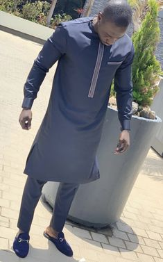 Latest African Wear For Men, African Shirts For Men, African Dresses Men, African Clothing For Men, Latest African Fashion Dresses, African Men Fashion, African Fashion Traditional, Nigerian Men Fashion, Man Dressing Style