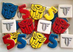 Decoración para fiesta de Transformers http://tutusparafiestas.com/decoracion-fiesta-transformers/ #cumpleañosdetransformers #decoracionparacumpleañosdetransformers #decoracionparafiestadetransformers #fiestadecumpleañosdetransformers #fiestadetransformers #fiestainfantilcontemadetransformers #fiestainfantildetransformers #fiestatematicadetransformers #ideasdedecoracionparafiestainfantildetransformers #ideasparacumpleañosdetransformers #ideasparafiestadecumpleañosdetransformers…