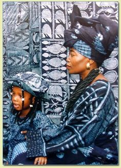 "yagazieemezi: "" Nike Davies-Okundaye is one of a few internationally known Nigerian women artists. Trained as a weaver, dyer and batik maker, Davies-Okundaye uses a variety of media to express themes from her life and from the Yoruba culture into. Bleu Indigo, Mood Indigo, Indigo Dye, Afrique Art, Yoruba, African Textiles, African Diaspora, Mother And Child, Shibori"