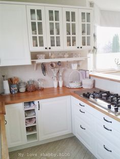 This could work in our kitchen layout Living Room Kitchen, New Kitchen, Kitchen Interior, Kitchen Decor, White Ikea Kitchen, Home Room Design, Kitchen Collection, Home And Deco, Home Kitchens
