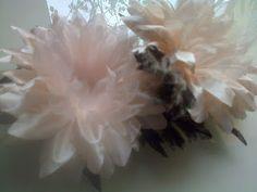 Forminhas para doces finosObra de Arte: Lindas gérberas com folhas de veludo,um luxo!!!!