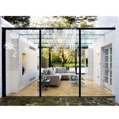 Wintergarten, Contemporary Patio by IQ Glass UK Modern Conservatory, Glass Conservatory, Conservatory Cleaning, Conservatory Extension, Design Patio, Exterior Design, Veranda Design, Garden Design, Patio Interior