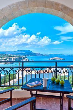 Pegasos Maisonettes in Almirida, Chania, Crete - Travel Tips Beautiful World, Beautiful Places, Beautiful Sky, Crete Holiday, Holiday Beach, World Travel Guide, Seaside Village, Crete Greece, Crete Chania