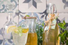 MÁTOVÝ SIRUP DO LETNÍCH LIMONÁD - Inspirace od decoDoma Korn, Smoothie, Glass Vase, Food And Drink, Table Decorations, Drinks, Cooking, Home Decor, Syrup