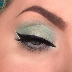 """Make a pledge to Thunderclap through espionagecosmetics.com/CONTEST for lots of entries into our current giveaway! You could win #NerdMakeup palettes! // @bangbangbetty using """"Ferum"""" from the Colovaria Collection. Available for preorder. • • • • #espionagecosmetics #NerdMakeup #lotd #motd #eotd #fotd #mua #crueltyfreemakeup #crueltyfreebeauty #crueltyfree #cosmetics #makeup"""