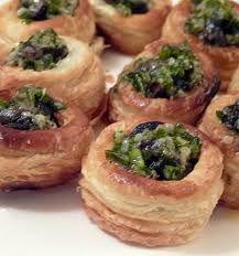Escargot in Mini Toast Cups Seafood Recipes, Appetizer Recipes, Appetizers, Cooking Recipes, Healthy Recipes, Mini Vol Au Vent, Speatzle Recipe, Escargot Recipe, Snails Recipe