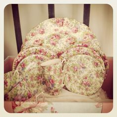 Old chintz...so pretty...would love to have! <3