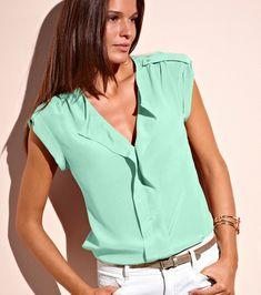 blusas elegantes - Pesquisa Google Outfits 2016, Summer Outfits, Casual Outfits, Fashion Outfits, Womens Fashion, Traje Casual, Moda Chic, Shirt Tutorial, T Shirt Vest
