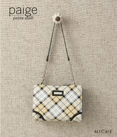 Cream and mellow yellow colors add a light and modern twist to the classic plaid design of the Paige Petite Shell. It's a Petite that oozes class and sophistication—just like you! Purses For Sale, Purse Sale, Paper Purse, Unique Purses, Plaid Design, Mellow Yellow, Gifts For Girls, Louis Vuitton Damier, Shells