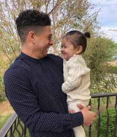 Elle and her daddy both from the ace family Cute Family, Baby Family, Family Goals, Beautiful Family, Beautiful Babies, Father And Baby, Dad Baby, The Ace Family Youtube, Ace Family Wallpaper