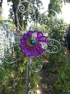 recycle glass for yard junk | Yard Art Garden Art Glass and wire flower from di ATouchofArtHome