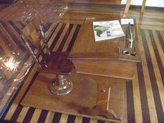 autêntica mesa e cadeira de estudante da década de 30... com detalha da pena à tinta que ainda era usada...