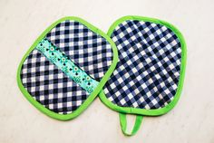 Looking for a fun addition to your kitchen? Then look no further than this Fun Gingham Pot Holder! his easy sewing project is perfect for sewists looking for a quick pattern that is actually useful.