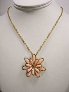 Jessica Simpson Primrose Peach Flower Pendant Gold Tone Chain Necklace MSRP $28 #JessicaSimpson #ChainChainandPendant Only $22.99 with free shipping!!
