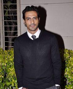 Arjun Rampal, Indian actor/model, b. Bollywood Movie Songs, Sexy Men, Hot Men, Bollywood Stars, Actor Model, Mens Clothing Styles, Actors & Actresses, Beautiful Men, Hot Guys