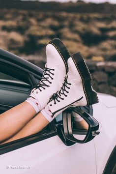 - Women shoes And Boots Doc Martens - Women shoes Casual Fashion Ideas Dr Shoes, Hype Shoes, Women's Shoes Sandals, Me Too Shoes, Cute Shoes Boots, Sock Shoes, Flat Shoes, Shoes Cool, Awesome Shoes