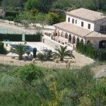 This Spanish Finca style property was constructed in 2002 with top quality materials by an English Master Builder for his ..