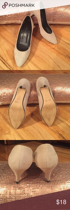 BEAUTIFUL suede leather 9 West heels BEAUTIFUL 9 West suede leather heels. Great pre-loved condition. Shows a little wear but not much (zoom in on pic 4 to see a few wear marks in the suede). SUPER COMFORTABLE.  Nude color suede will look great with most any outfit. 9 West Shoes Heels