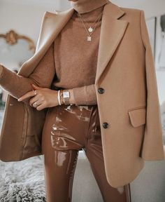 Impressing Your Friends With A New Look – Fashion Trends Winter Fashion Outfits, Winter Outfits, Autumn Fashion, Fashion Clothes, Classy Winter Fashion, Fall Street Fashion, Spring Outfits, Style Clothes, Fashion Pants