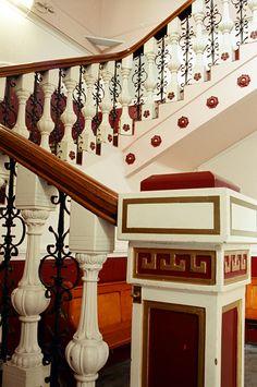 https://flic.kr/p/6Fb64h | Foyer Staircase 2003