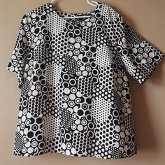 Maggie Barnes Tops | Maggie Barnes Polka Dots And Circles Top Sz 2x | Poshmark Polka Dot Top, Circles, Black And White, Outfits, Things To Sell, Tops, Fashion, Moda, Suits