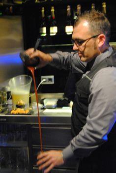 #serveur #camarero #snack #ferranadria http://on.fb.me/1a3QtQZ