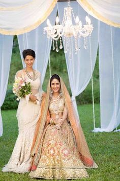 The Crimson Bride - The go-to Indian wedding inspiration and planning platform for the modern Indian bride. Design your dream wedding with The Crimson . Big Fat Indian Wedding, Indian Bridal Wear, Asian Bridal, Indian Weddings, Desi Wedding, Wedding Attire, Wedding Gowns, Bridal Outfits, Bridal Dresses