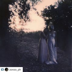 Quando Simona scatta, qualsiasi soggetto (compreso io) diventa ninfa. #ninfa #polaroid #polaroids #polaroidcamera #shot #shooting #tree #trees #wood #love #inlove #picoftheday #abruzzo #italy #followme #jessicaballerini www.jessicaballerini.it