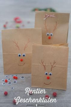 Reindeer gift bags make for the advent calendar - Make reindeer gift bags. – Great for small gifts, vouchers, cash gifts and gifts from the kitchen - Valentines Day Gifts For Him, Valentines Day Decorations, Valentines Day Party, Valentine Day Crafts, Diy Bag Gift, Gift Bags, Diy Gifts, Best Gifts, Anniversary Crafts
