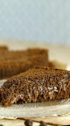 Chocolate and zucchini cake recipe! Brigadeiro Cake, Brigadeiro Recipe, Chocolat Cake, Danish Dessert, Homemade Garlic Bread, Lithuanian Recipes, Cake Recipes, Dessert Recipes, Delicious Desserts
