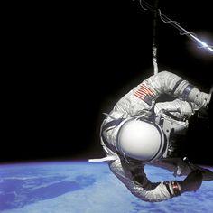 "Astronaut Edwin E. ""Buzz"" Aldrin Jr., pilot of Gemini XII, performing an  extravehicular activity (EVA) on November 12, 1966. | Photo credit: NASA"