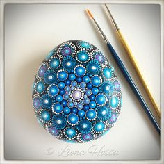 Stone Mandala, Blue Morning Gift de LionaHotta en Etsy https://www.etsy.com/es/listing/562689955/stone-mandala-blue-morning-gift