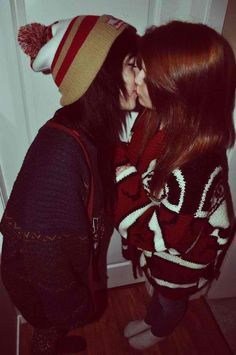 #lesbian kiss