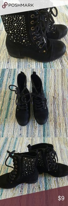 GIRLS Piper jeweled black suaded boots 11 EUC Super cute girls size 11 combat style black suaded boots. In exceptionally good used condition. Rhinestone adorned on both the outside as well as instep side. Easy lace once design, the boots have zippers to make on and off easier. I ship same day when possible. Thank you! Shoes Boots