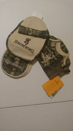pretty nice d3f0f 6b9af NWT - Browning Mossy Oak 4 Piece Set Infant Bib Burp Cloth Hat Outfit - 3  months
