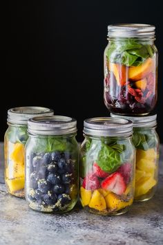 5 frozen smoothie packs that are zero waste! Assemble your breakfast smoothie ingredients in pint jars and you don't need any wasteful plastic bags. These smoothie recipes are refined sugar free, banana-free and delicious!