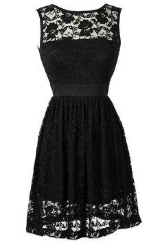 Love lace dresses !!