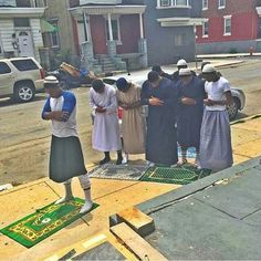 Repost from @tonetrump -  The Real Philadelphia... Young Muslims striving ... I love this pic true inspiration Ma Shaa Allah.... May Allah protect & guide them ameen ....  #letswin!