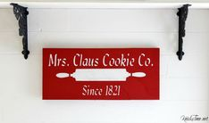 Mrs. Claus Makes a Comeback!   3 Projects with 1 Christmas stencil, including a red wooden Christmas sign, a burlap table runner and a place mat, via Knick of Time at KnickofTime.net