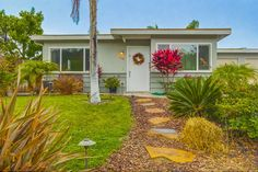Encinitas Cottage - A small cottage originally built in 1972 and given a fresh, more modern makeover in Encinitas, California.