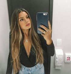 You'll see all these beautiful hair trends for You'll see these hairstyles everywhere this hair trends ICONIC FASHION Caramel Blonde Hair, Brown Hair Balayage, Brown Blonde Hair, Brunette Hair, Hair Highlights, Dark Hair, Bayalage, Ombre Hair, Blonde Pony