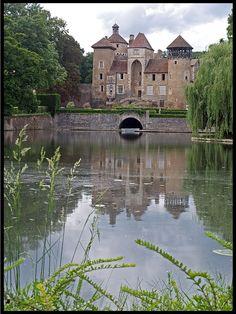 Chateau Sercy - france en bourgogne